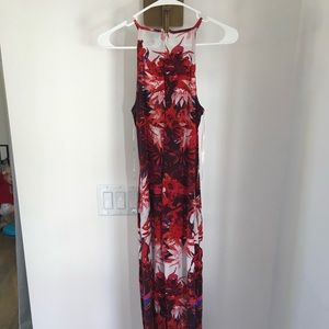 Flowing flower maxi dress with pockets
